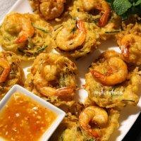 Bánh tôm Malaysia kèm công thức nước sốt chua ngọt - Malaysian prawn fritters